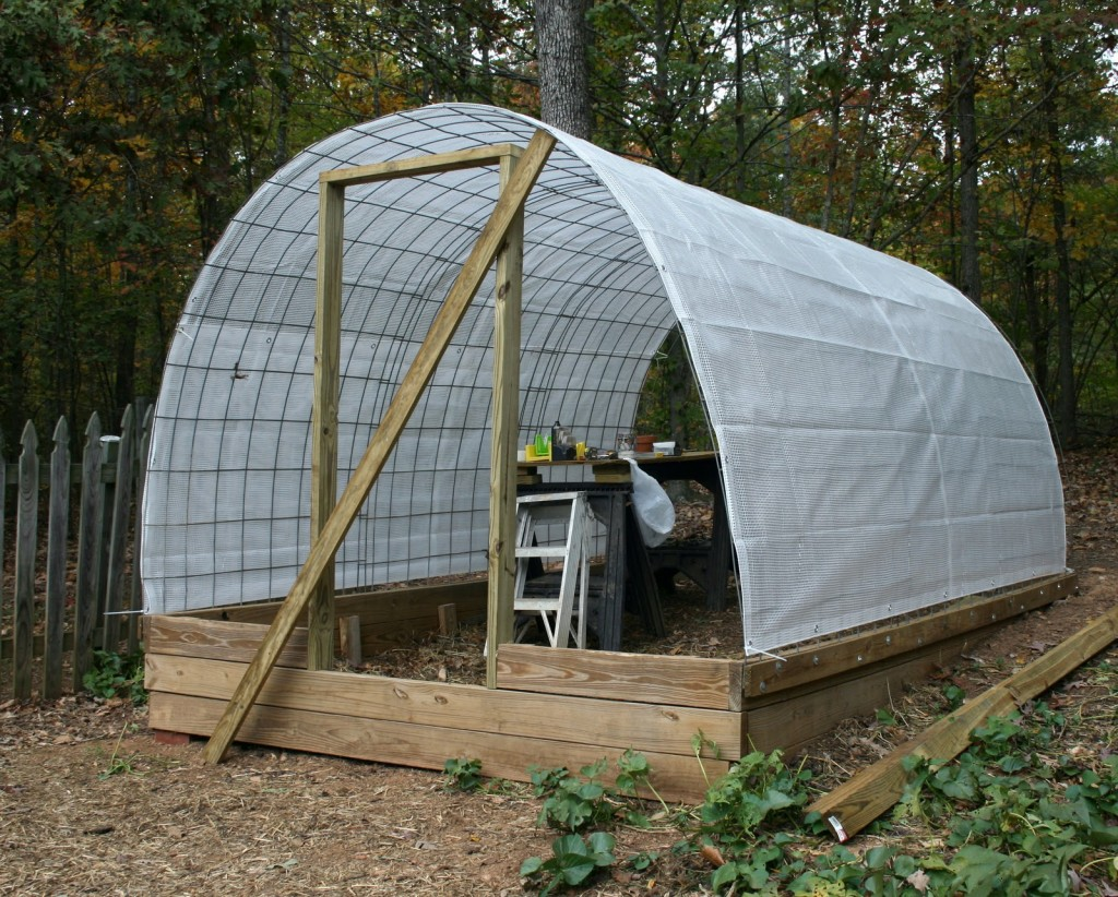 How to build a greenhouse the easy way for Easy to make greenhouse