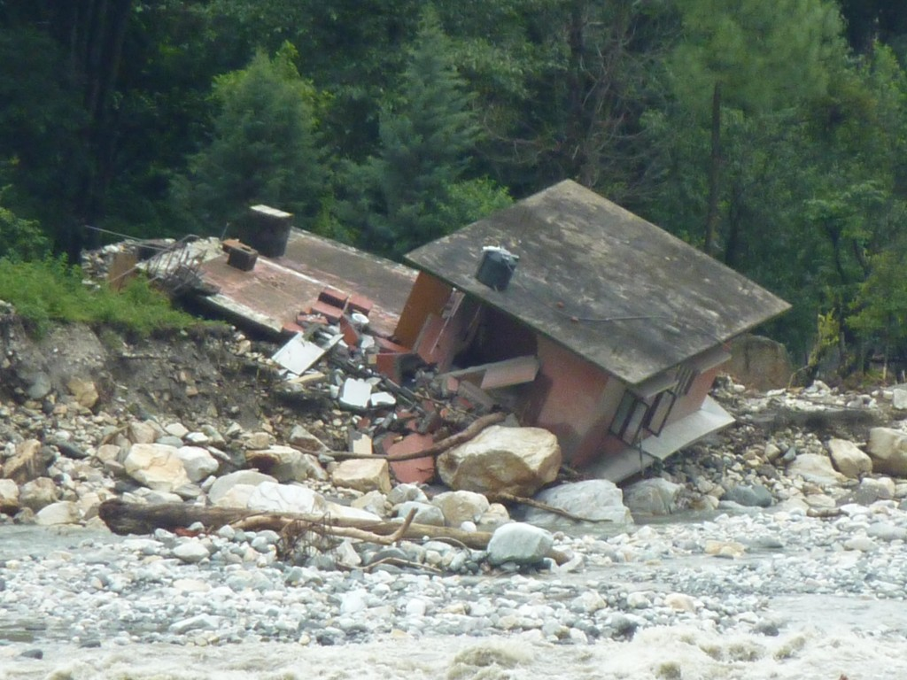 Flash_floods_in_Uttarakhand_in_year_2012