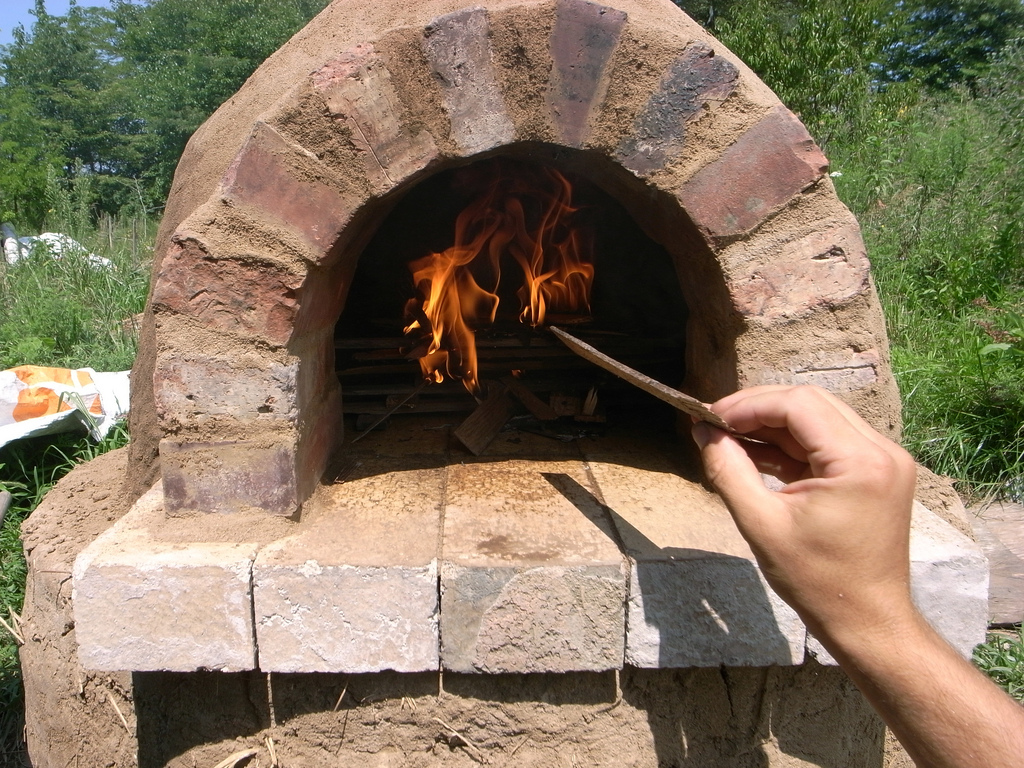 Build Your Own 20 Outdoor Cob Oven For Great Bread And Pizza